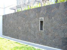 Pemasangan batu alam dari Monggo Art Stone Wall Design, Stone, Bali, Home Decor, Pottery Designs, Danish Design, Natural Stones, Rock, Decoration Home