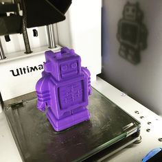 Something we liked from Instagram! Large Ultimaker robot. #3DPrintsLA #PLA #Filament #Maker #Robot #Ultimaker2 #LA #3DPrinting #3DPrinter #3Duniverse by 3dprintsla check us out: http://bit.ly/1KyLetq
