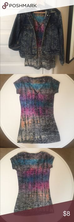 Tie dye T Shirt Tie dye T shirt, cotton blend fabric. Size Small. V neck. Great Condition! Tops Tees - Short Sleeve