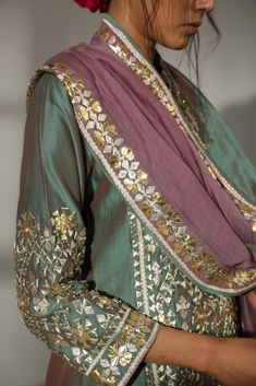 Indian Bridal Fashion, Indian Fashion Dresses, Indian Wedding Outfits, Indian Outfits, Fashion Outfits, Pakistani Formal Dresses, Nikkah Dress, Pakistani Dress Design, Pakistani Outfits
