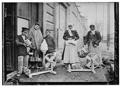 Armenians taking spin. [i.e., spinning] wheels home  Digital ID: (digital file from original neg.) ggbain 26188 http://hdl.loc.gov/loc.pnp/ggbain.26188  Reproduction Number: LC-DIG-ggbain-26188 (digital file from original negative)