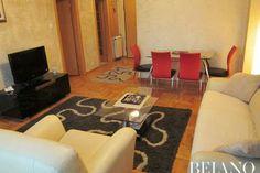 LOKACIJA: Novi Beograd ULICA: Bul.Arsenija Čarnojevića - Arena SPRAT: 6. KVADRATURA: 47.00m² OSOBA: 4 TIP: Jednosobni http://belano.rs/sh/apartmani/nina-1-soban-stan-beograd-47m2 #apartman #apartmani #stanovi #beograd #belgrade #apartments
