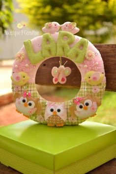 Atelier - Boutique D' Caroline Mais Baby Mobile Felt, Felt Baby, Baby Crafts, Fun Crafts, Diy And Crafts, Felt Wreath, Felt Garland, Boutique D Caroline, Diy Craft Projects