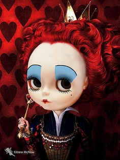 Blythe queen of hearts -- Well done!! Perfect use of a Blythe doll!!!