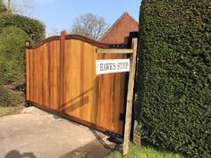 Electric Gates, Driveway Gate, Hardwood, Garage Doors, Construction, Traditional, Outdoor Decor, Home Decor, Building