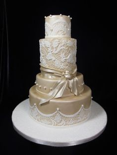 Champagne and lace weddign cake