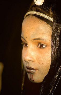 Muchacha tuareg, Festival de Essouk  - Tuareg girl, Essouk Festival (January 2004)    www.vicentemendez.com