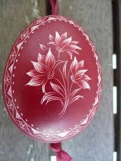 Egg Crafts, Easter Crafts, Crafts To Make, Arts And Crafts, Egg Shell Art, Polish Folk Art, Carved Eggs, Scratch Art, Ukrainian Easter Eggs
