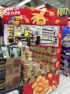 Ritz Open Up For Fun Supermarket Display Pallet   The Selling Points