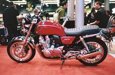File:2014 Honda CB1100 left.JPG