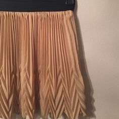 NEVER WORN Manito skirt! Manito USA skirt. Beautiful layer and texture on the bottom! Never worn, too small for me! Manito USA Skirts