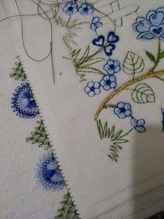 Beaded Embroidery, Diy And Crafts, Beads, Indian Embroidery, Bullion Embroidery, Hardanger, Beading, Bead, Pearls