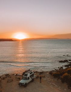 Travelling Australia in our Troop Carrier troopcarrier troopcarrierinterior troopy roadtripaustralia 783204191432787750 Beach Aesthetic, Travel Aesthetic, Adventure Aesthetic, The Places Youll Go, Places To Go, Roadtrip Australia, Places To Travel, Travel Destinations, Road Trip