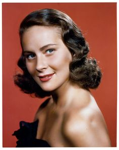 Alida Valli - CosmopolitanIT Classic Actresses, Classic Films, Actors & Actresses, Hollywood Actor, Classic Hollywood, Carol Reed, Post Mortem Pictures, Italian Actress, Classic Movie Stars