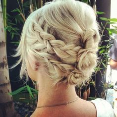 Two braids on each side, wrapped around mini buns, adorable hippie hair hair-styles-braids-updos-etc Date Hairstyles, Pretty Hairstyles, Braid Hairstyles, Wedding Hairstyles, Hairstyle Ideas, Summer Hairstyles, Halo Hairstyle, Style Hairstyle, Wedding Updo