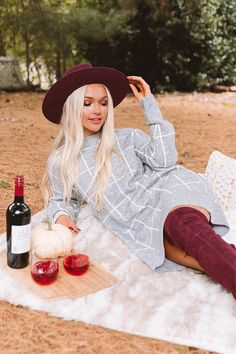 Winter Travel Outfit, Fall Winter Outfits, Fall Fashion Outfits, Autumn Fashion, Fall Picnic, Picnic Outfits, Grunge, Grey Sweater Dress, Cute Comfy Outfits