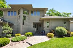 Virtual Tour of 7980 Ranchview Ln N, Maple Grove MN 55311, USA.