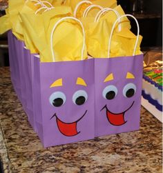Dora the Explorer BackPack Party Favor Bags Mommy Hot Spot Third Birthday, 4th Birthday Parties, Birthday Fun, Dora Birthday Cake, Birthday Ideas, Dora Backpack, Dora And Friends, Party Favor Bags, Diy Party Bags