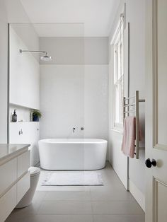 white bathroom Clifton Hill A Renovation This Clifton Hill project is a renovation to an existing two-storey Victorian terrace house. The existing house was due for a renovation, it had a steep staircase, a lack of connection to Bad Inspiration, Bathroom Inspiration, House Design Photos, Home Design, Design Ideas, Villa Design, Design Hotel, Terrace Design, Bathroom Renos