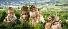 Gradina Zmeilor este o arie protejata, monument al naturii, situata in judetul Salaj, in comuna Balan. Zona protejata se intinde pe o suprafata de 3 hectare Romania, Mount Rushmore, Unic, Mountains, Travel, Viajes, Destinations, Traveling, Trips