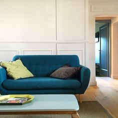 Bright and airy airbnb apartment in Florence, Italy. With its cozy, comfortable and quiet atmosphere, this place had the perfect Scandinavian vibe!