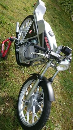 Vintage Moped, Custom Moped, Bikers, Cars And Motorcycles, Ali, Happiness, Racing, Mopeds, Running