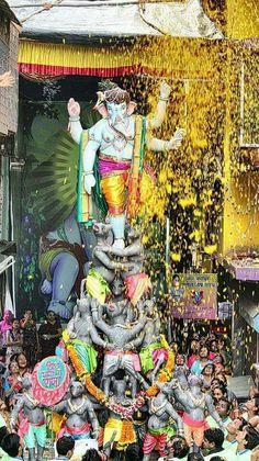 Jai Ganesh, Ganesh Statue, Shree Ganesh, Ganesha Art, Lord Ganesha, Ganesha Pictures, Ganesh Images, Festivals Of India, Indian Festivals