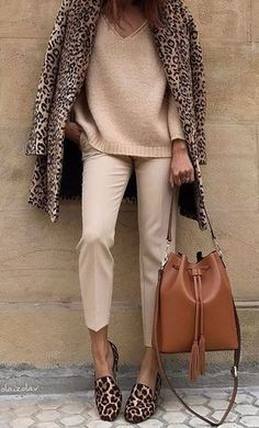 Leopard print fleece coat over tan Pants and pink cashmere sweater Source by fashion boho Mode Outfits, Fall Outfits, Casual Outfits, Fashion Outfits, Fashion Ideas, Summer Outfits, Fashion Clothes, Work Outfits Women Winter Office Style, Office Look Women