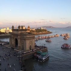 #mumbai City ... A view that's extremely stunning from #taj hotels ... #india at its best #travel @lonelyplanet_in pic.twitter.com/IwhBV9lrJT