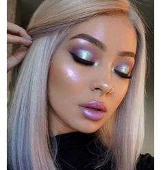 Tag ur friends & tag me if you can do this kind of make-up #beauty #makeup #girly #makeupartist #makeupgoals #makeuplooks #brows #browshape #browsonpoint #eyeshadow #glitter #glittermakeup #colours #eyelashes #eyelashextensions #eyelashesonfleek #eyeliner