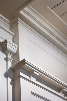 Moulding Detail - A Summer Cottage in the Hamptons - John B. Murray Architect - Interior Design by Victoria Hagan - Photography by Durston Saylor Classic Interior, Interior Trim, Interior And Exterior, Interior Design, Detail Architecture, Interior Architecture, Plafond Design, House Trim, Architrave