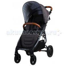 Прогулочная коляска Valco baby Snap 4 Trend  Прогулочная коляска Valco baby Snap 4 Trend стала еще более стильной, удобной и теплой.   У коляски большое и широкое спальное место. Даже в зимнем комбинезоне или теплом конверте ребенку будет очень удобно. За счет небольших изменений в задней части капюшона теперь Снап 4 будет более теплой и защищенной от ветра.   Капюшон стал еще больше на одно деление и теперь полностью закрывает ребенка. Снап очень удобно складывается одной рукой и занимает…
