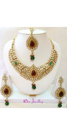 Gleaming Red and Green Kundan Necklace Set