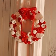 Button Wreaths And Button Crafts