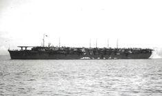Imperial Japanese Navy aircraft carrier chitose [空母 千歳]千歳型水上機母艦から航空母艦へ改装 起工/1934年11月26日呉工廠 進水/1936年11月29日 就役/1938年7月25日 水上機母艦として竣工 1943年空母へ改装 その後/1944年10月25日喪失 除籍/1944年12月20日 排水量/基準:11,190トン 公試:13,600トン 全長/192.5m (水線長:185.93m) 水線幅/21.5m 全幅/20.8m 吃水/7.51m 飛行甲板/長さ:180.0m x 幅:23.0m エレベーター2基 主缶/ロ号艦本式缶4基 主機/タービン2基、ディーゼル2基2軸 56,800馬力 最大速力/29.0ノット 兵員/785名 (967名の資料もあり) 兵装/40口径12.7cm連装高角砲4基 25mm3連装機銃10基 搭載機/艦戦21機 艦攻9機 合計30機 補用機なし