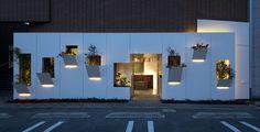 Atelier KUU brings mountain tranquility to pacific dazzle baton salon in Kobe, Japan.