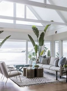 Cozy coastal living room decorating ideas (70)