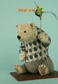 羊毛倉庫の日々 needle felted bear
