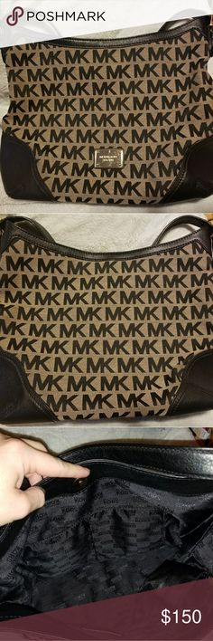Michael Kors Purse Used a couple times. Still very new. Brought it a couple years back from Nordstrom. I preferred my Coach tote bag and just decluttering my closet. Michael Kors Bags Shoulder Bags