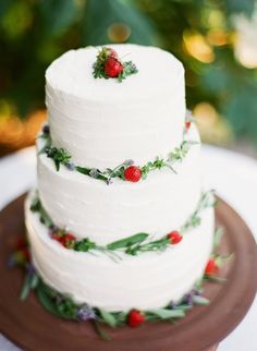Strawberry garland cake