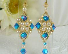 Gewebte Ohrhänger Türkis Kristall und Perle von IndulgedGirl