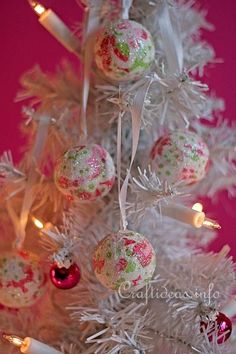 Decopatch Christmas Baubles Tutorial