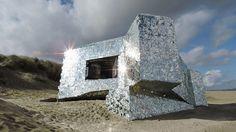 A mi-chemin entre le vestige historique et l'oeuvre d'art, ce bunker est un…