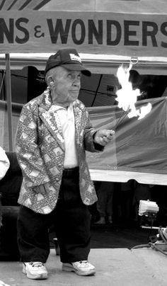 Little Pete Terhurne, the fire-eating dwarf waiting for his cue at the Pennsylvania State Fair, May 2005 Circus Acts, Circus Circus, Freak Show Circus, Circus Pictures, Genetic Abnormalities, Human Oddities, Haunted Dolls, Evil Clowns, Carnivals