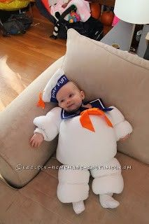 Original Baby Halloween Costume Idea: Stay Puft Marshmallow Baby LMAO I am laughing so hard right now. Costume Halloween, First Halloween, Cute Costumes, Baby Costumes, Holidays Halloween, Happy Halloween, Halloween Decorations, Costume Ideas, Toddler Halloween