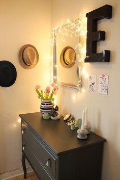 lyskæde i gangen, rundt om et spejl - Karlssonskludeskab