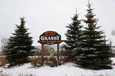 Granby is a great home-base for cross-country skiing, snowmobiling, visiting the Rocky Mountain National Park, and day-trips to Winter Park and Boulder.