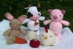 amigurumi farm animals. favors?... SO, Miss Jen...how fast can you make like 15 of these??  LOL