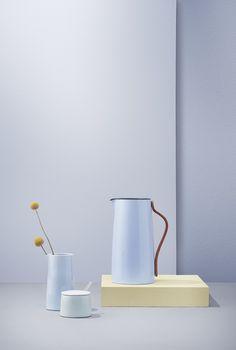 Akcesoria z serii Emma Blue duńskiej marki Stelton.   #stelton #design