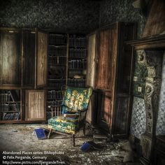 Abandoned Places series:  Bibliophobia © Felix PERGANDE (PhotoArtist, Berlin, Germany). Library of an abandoned chateau in Belgium.